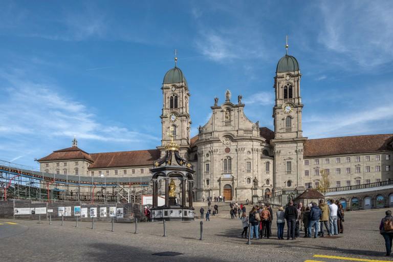 Das Kloster Einsiedeln ist seit Jahrhunderten ein Anziehungspunkt für Pilgerinnen und Pilger. | © 2015 Roberto Conciatori
