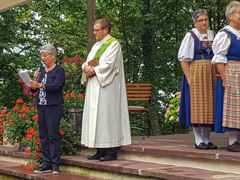 Pilgerleiter Hans Schelbert und Synodalrätin Maria Graf-Huber im Bittgottesdienst auf dem Flüeli. | © 2017 Joseph Durrer