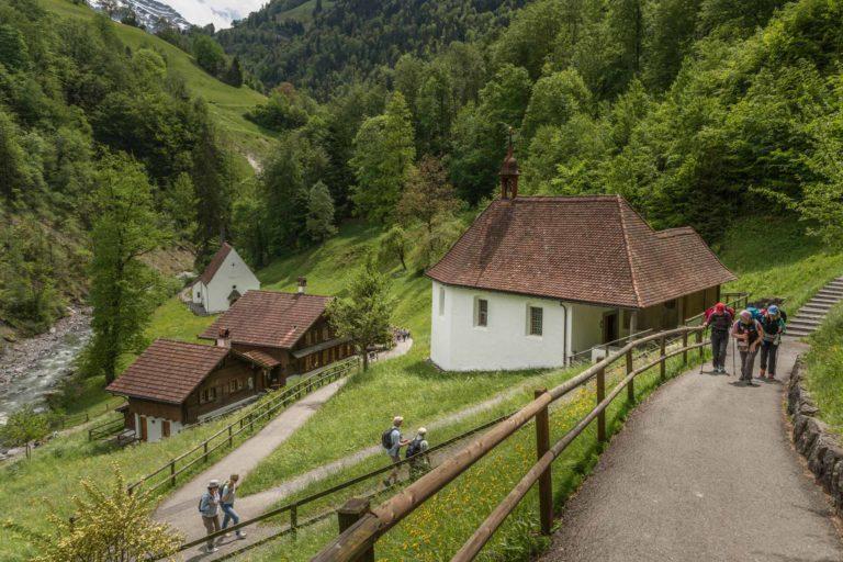 Der Ranft mit dem Wohnhaus von Bruder Klaus und den beiden Kapellen - Ziel der Luzerner Landeswallfahrt nach Sachseln und Flüeli-Ranft. | © 2016 Roberto Conciatori